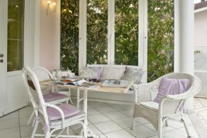 Relax in veranda al Villa Amelia B&B